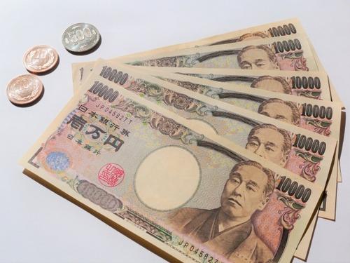 コンビニ店員「缶コーヒー1本に1万円出す奴は常識を疑う、釣り銭も限りがあるんだよ?」