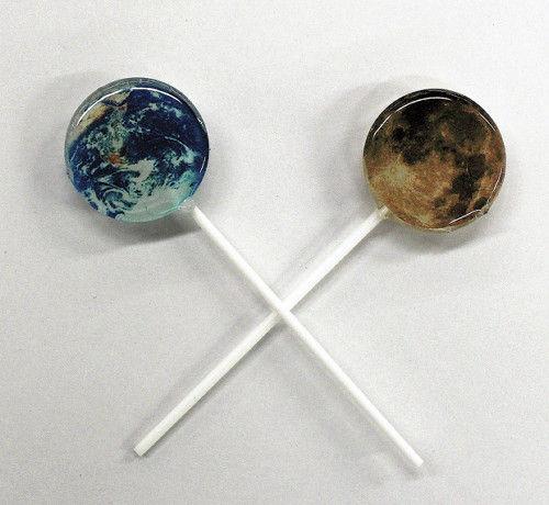 仙台天文台で販売されている輝く地球と月をモチーフにしたキャンディーが人気  5時間で完売