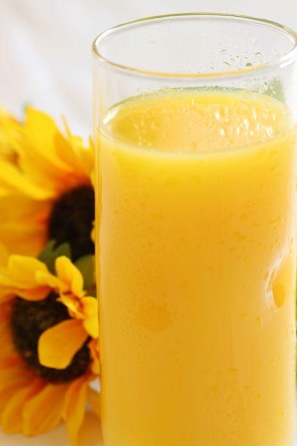 ワイ「この果汁100%オレンジジュースうめぇ!」 濃縮還元おじさん「それ濃縮還元だよ(ボソッ」