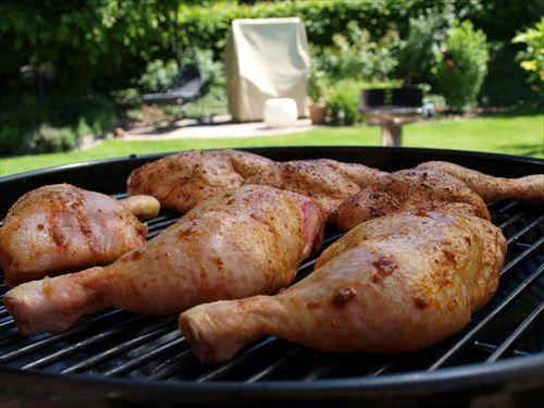 豚肉「ちゃんと焼かないと腹下します」 牛肉「筋だらけです」 鶏肉「食べやすいです」