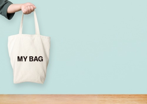ワイ店員「レジ袋どっちにしますか?」客「この量小さい袋に入るんか?」ワイ店員「」