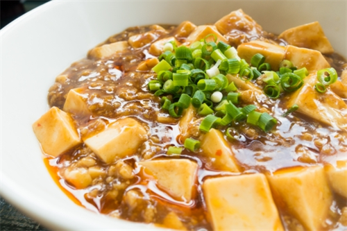 妻が木綿豆腐で麻婆豆腐を作る人だった