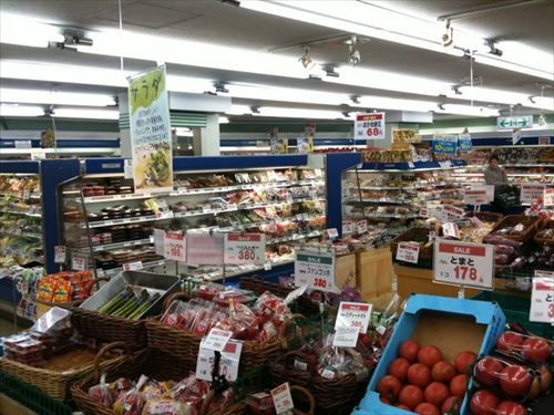 【悲報】コンビニやスーパーの棚で奥からとる行為、嫌われていた