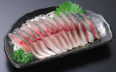 サバの刺身って、しめ鯖みたいに、「どうせ…」みたいなイメージで食うと180度印象が変わるよな