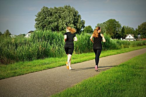 ealthy_running-589060_R