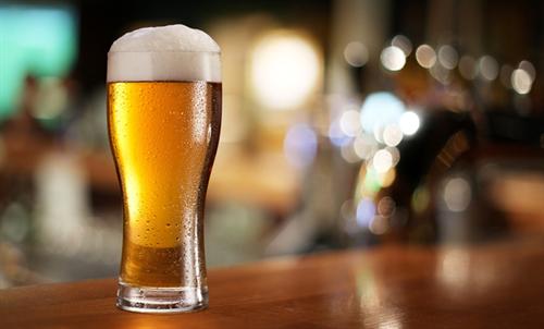 なぜビール会社は飲みたくない若者にビールを無理に飲ませようとするのか