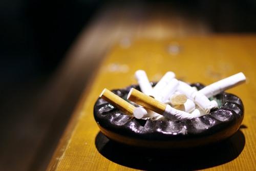 ワイ「たばこ吸いながら昼飯食いたいな。そや、デニーズ行こう」