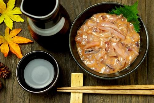 ぼく「日本酒ってどこが美味しいの?」敵「塩辛と飲め」