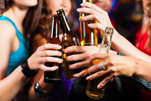 ディスカウント店や大手量販店での酒安売り、規制強化 議員立法提出へ