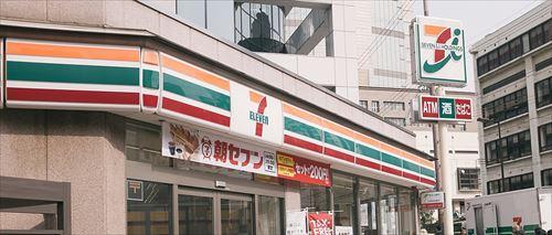 【朗報】コンビニ三国時代、終焉間近
