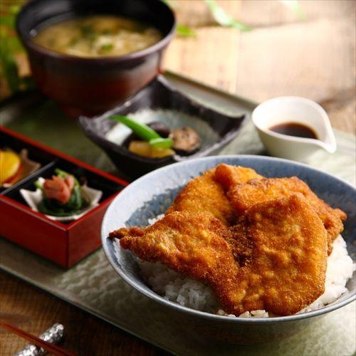 来週新潟に出張なんだがお勧めの観光所やら美味い店とかあったら教えてくれ!