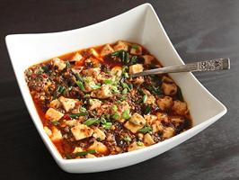 麻婆豆腐作ってたら必ず終盤で豆腐がグチュグチュになるんやが