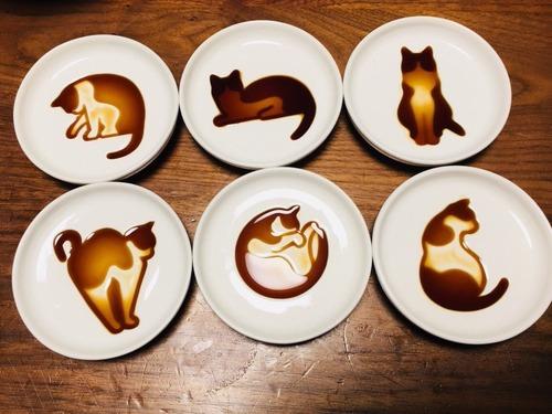 【画像】「ネコ醤油皿」が可愛いい♡と話題に
