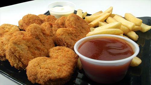 日本人の77%「マックナゲットはバーベキューソースで食べる」