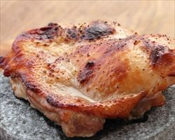 よく作るのがポン酢の漬け焼。ビニール袋に肉とポン酢入れて2,3時間置く。味噌漬のような感じになる。