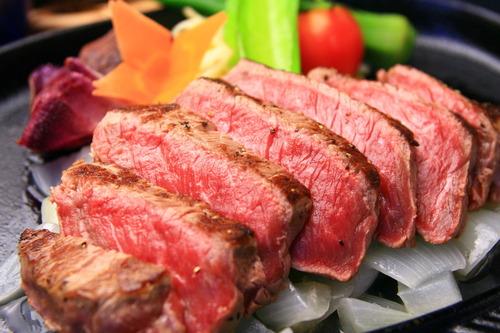 大沢たかお「肉を5kg買う。3食肉。一週間持たない。煮るは出来ない。焼くかステーキしか出来ない。」