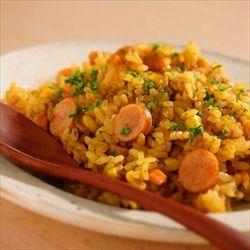 炊飯器にカレールーを1~2人前入れてご飯を炊くと美味いよ。