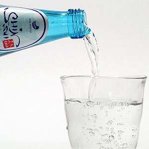 水しか飲んでない客に63万円請求 歌舞伎町のキャバクラ店長を逮捕