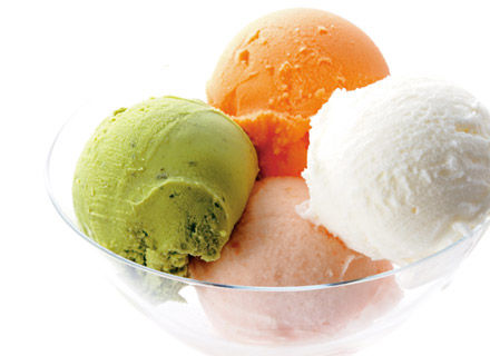 面接官「アイスクリーム屋は一年を通して需要に差が出ます。その差を埋める為にどの様な工夫をしていると思いますか?」僕「」