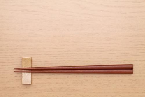 海原雄山「箸の先を1cmぐらいしか濡汚すな」わい「ほいっw」厚さ5cmのハンバーグボトッ