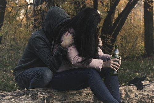 female-alcoholism-2847443_640_R