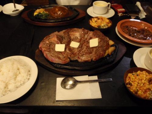 彡(^)(^)「1キロのステーキ?余裕やん!!」