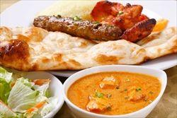 インド人がやってるカレー屋とかタイ人がやってるタイ料理屋とか中国人がやってる中華料理屋
