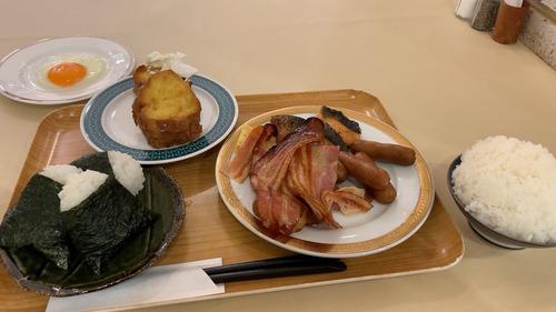 ホテルの朝食って美味いよな!