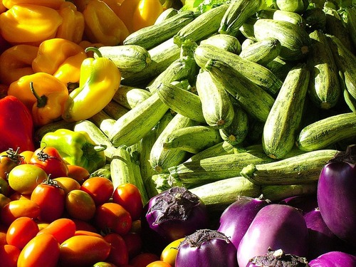 1週間、ご飯と野菜1つしか食べれなかったら何の野菜を選ぶ?