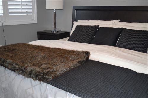 ベッドの営業「一日8時間寝るとすると、人生の1/3は布団の上にいることになります」わい「はぁ」