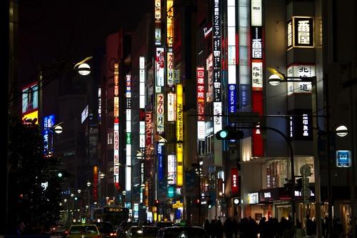 自粛要請で消えた酔客「店が持たない」東京の繁華街がガラガラ