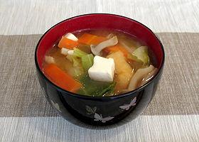 中日新聞「味噌汁にケチャップを入れるとヘルシーになります」