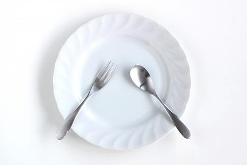 若者の外食チェーン離れ