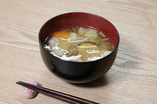 豚汁にじゃがいもじゃなくさつま芋を入れる県があるらしい…