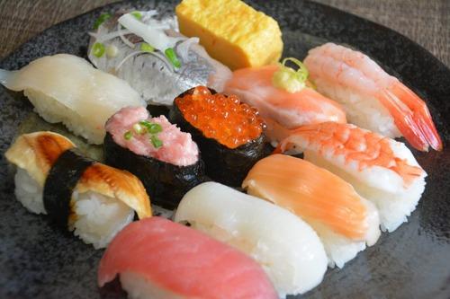 寿司のデリバリーしてるけど質問ある?
