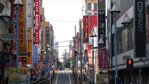 横浜駅の繁華街ショボすぎない?