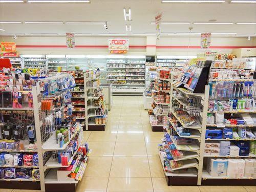【悲報】コンビニ、2025年には全店舗無人化