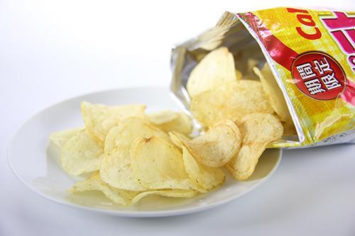 ポテトチップスを26年間食わず嫌いして来たぼくポテチの美味しさに震える