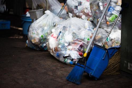 最近多い「ゴミ箱は店内に設置しています」なコンビニ