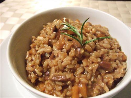 フルーツグラノーラが健康で流行ってるけどもしかして玄米食ってたほうが身体にいいんじゃね?