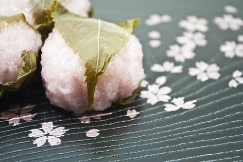 道明寺に付いてる葉っぱって食ってる?