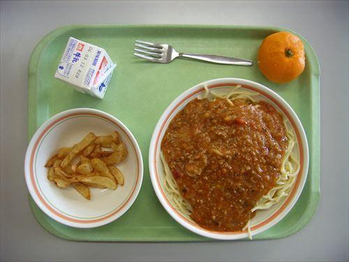 小学校の時給食の見本食べちゃう子いたよね
