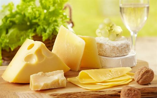 外国人「日本のチーズはダメだ。おいしくない」