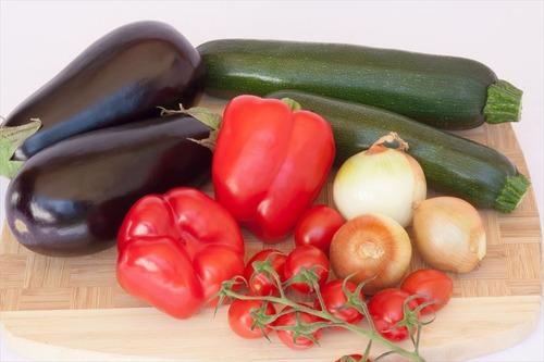 「一人暮らしだと野菜を食べる機会がない」←これ一人暮らし関係なくね?
