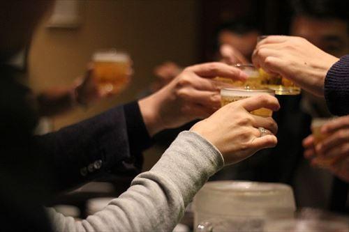 ワイ、グループLINEにて「うぃーっす!春休み暇なら飲みでも行かね?」と勇気を出して発言