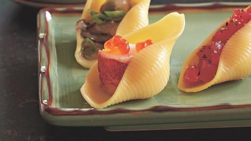 イタリア人有名シェフ「パスタ寿司ってのを考案してみたんだがどーよ?」