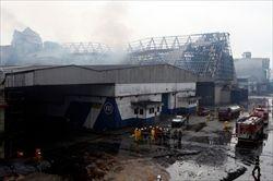 """砂糖工場が火災、大量の""""キャラメル""""が町を襲う。ブラジル"""