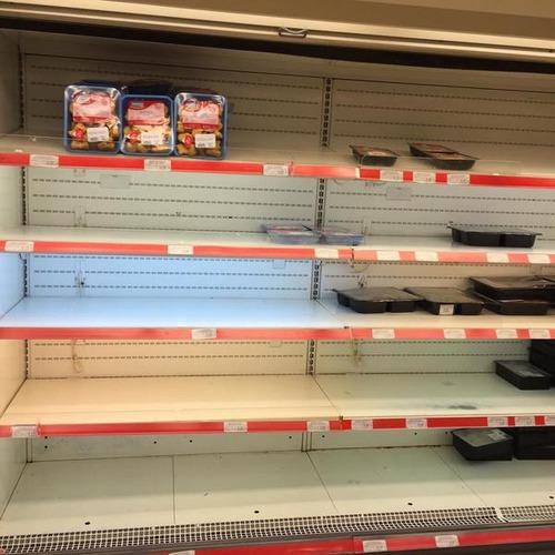 ギリシャ、金が無さ過ぎてスーパーが仕入れできず食料品店から食料品が消える