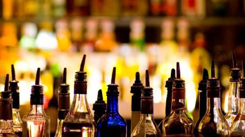 太りにくいアルコール…焼酎やウィスキーなどの蒸留酒  太る酒…ビール・日本酒・ワイン