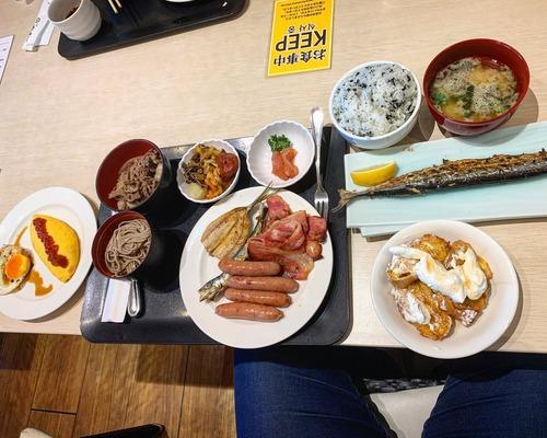 【画像】大分出張ワイ、ビジホのビュッフェで優雅な朝食wwwwwwwww